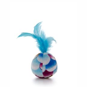 Plyšový míček smodrým pírkem, hračka