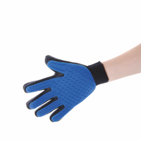 Gumová vyčesávací masážní rukavice