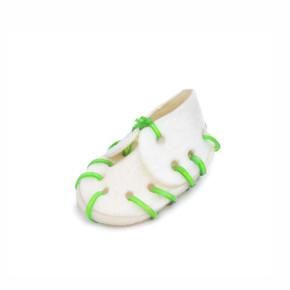 Bílá bota z buvolí kůže, malá, 7 cm, přírodní pamlsek